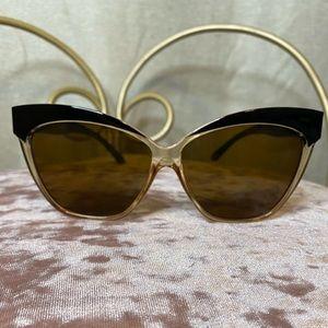 A.J. Morgan black frame cat eye sunglasses